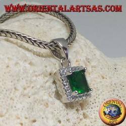 Ciondolo in argento con smeraldo sintetico quadrato contornato da zirconi