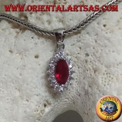 Ciondolo in argento con rubini sintetico a navetta incastonato contornato da zirconi tondi