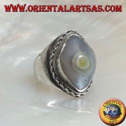 Anello in argento con agata occhio di Shiva chiaro e bordo a catena