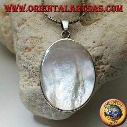 Silberanhänger mit großem ovalem Perlmutt auf glattem Seitenrahmen