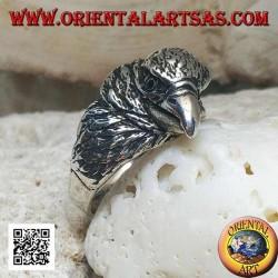 Anello in argento testa di aquila beccante a tre quarti