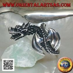 Bague en argent, dragon wyverne en vol et tête inclinée