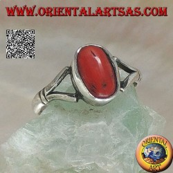 Silver ring with oval Tibetan antique coral hooked by two wires on a simple setting