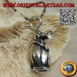 Ciondolo in argento a forma di pinguino tridimensionale con papillon