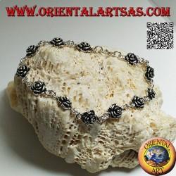 Bracciale in argento morbido a catenella con fila di rose con piastra sotto