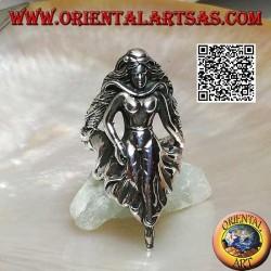 Anello in argento, fata in cammino con gonna drappeggiata