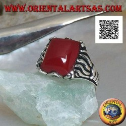 Silver ring with rectangular carnelian set in cabochon with lines engraved on the sides