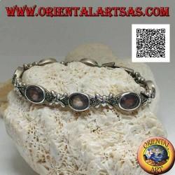 Bracelet en argent avec 7 navettes en marcassite avec améthyste ovale naturelle centrale alternant avec des croix en argent