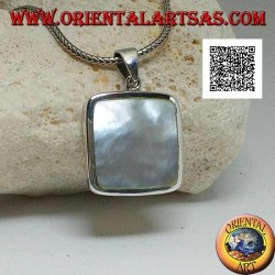 Silver pendant with square mother of pearl on a smooth and essential setting