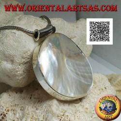 Ciondolo in argento con madreperla tonda grande su montatura liscia laterale e gancio tubolare