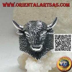 Anello in argento a forma di testa di bisonte americano completamente inciso (grande)