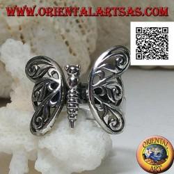 Anello in argento con farfalla con ali a decorazione traforata movibili