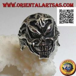 Silver ring, stripped skinned skull