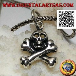 Silver skull pendant with two crossed femoral bones underneath