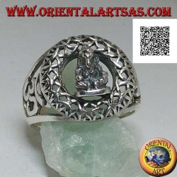 Silver ring with a statuette of Ganesh sitting in an otraforato circle and Oṃ (ॐ) on the sides in openwork