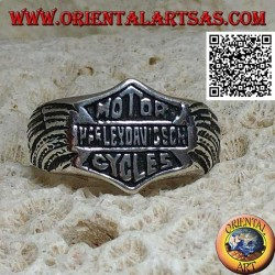 Silver ring with Motor Harley Davidson Cycles emblem with wings engraved on the sides