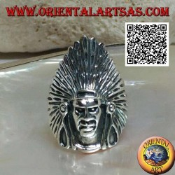Anello in argento testa di un Indiano nativo d'America con copricapo di piume alto