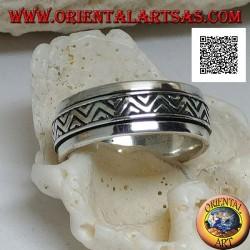 Anello fedina in argento girevole antistress, doppia linea spezzata a triangoli incisa