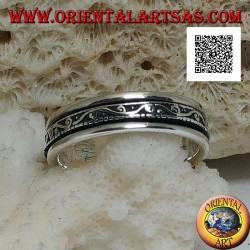 Anti-stress rotating silver band ring, wave with spirals in bas-relief