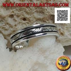 Anello fedina in argento girevole antistress, intreccio a tre linee incise