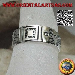 Silver ring with geometric engravings