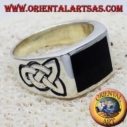 anello con onice e nodo celtico in argento
