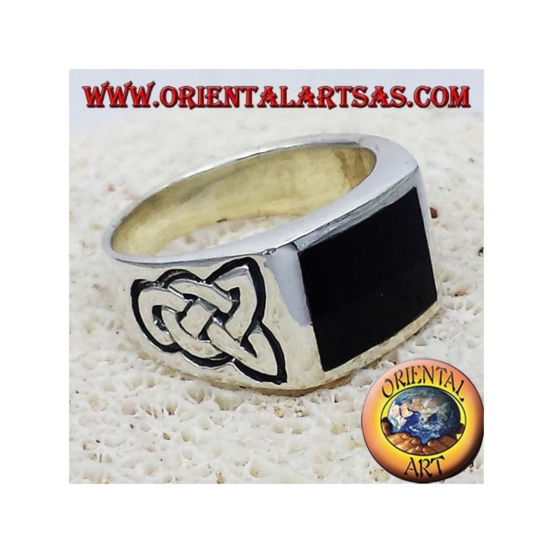 anneau avec onyx et noeud celtique argent