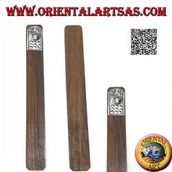 Segnalibro in legno di teak con piastra di alpacca o argentone decorata con gatto (stretto)