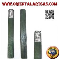 Segnalibro in legno di teak con piastra di alpacca o argentone decorata con fiore (stretto)