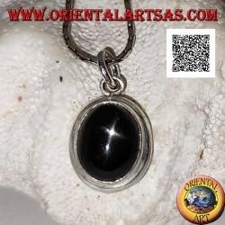 Ciondolo in argento con black star (Diopside) ovale cabochon e bordo liscio tondeggiante