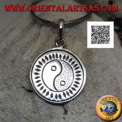 Silver pendant round medal engraved with yin yang Tao (T'ai Chi T'u) surrounded by rhombuses