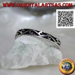 Silberring, eingelegt mit Hochreliefwelle
