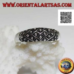 Silver band ring with rhomboid weaving and embossed balls