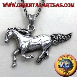 carrera de caballos colgante de plata