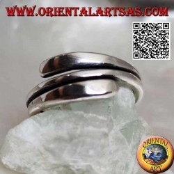 Anello in argento liscio, linea a doppio giro con finali schiacciati