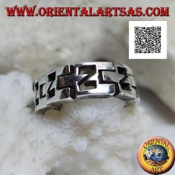 Semi-rigid smooth chain ring in silver with perforated N