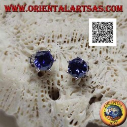 Silver lobe earrings with round synthetic sapphire set with six clips