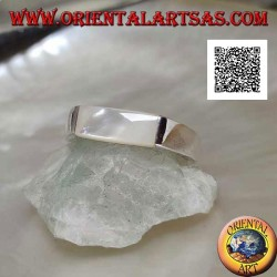 Smooth silver ring with elongated rectangular mother of pearl protruding on two sides