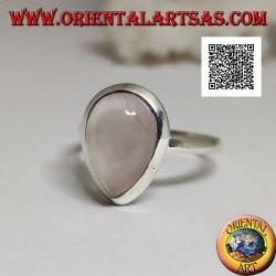 Bague en argent avec quartz rose goutte cabochon sur un sertissage solitaire lisse