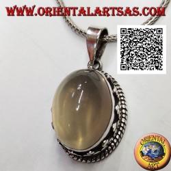 Ciondolo in argento con pietra di luna ovale cabochon contornata da intreccio e tris di dischetti