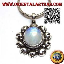 Ciondolo in argento con pietra di luna arcobaleno (adularia) ovale contornata da dischetti tagliati