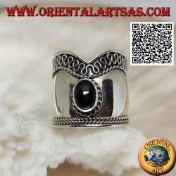 Anello in argento a fascia larga a V con onice ovale e serpentina su un lato, Bali