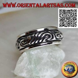 Anti-stress rotating silver ring, rounded with engraved Maori motif