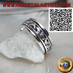 Anello fedina in argento girevole antistress, con orme di piedi in bassorilievo