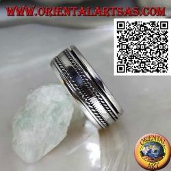 Anello fedina in argento girevole antistress, con fascetta liscia tra intrecci