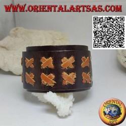 Bracciale largo in vero cuoio, X in pelle chiara su fascetta con chiusura a clip e 2 lunghezze (marrone)