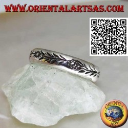 Anello in argento a fedina con girasoli e steli incisi