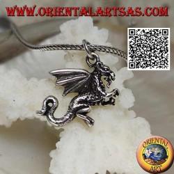 Ciondolo in argento a forma di drago occidentale in posizione eretta su due zampe