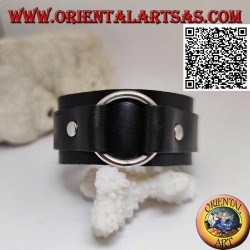 Genuine leather bracelet, central ring between straps with buckle closure and 5 lengths (black)