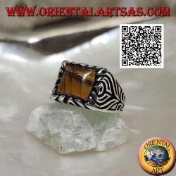 Bague en argent avec oeil de tigre carré et fleur gravée sur les côtés